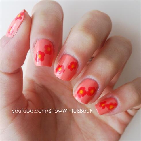 Nail art for beginners: Flowers