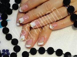 nail art: Floral bride