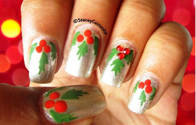 Easy Mistletoe nails