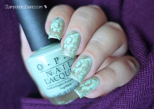 Mint & Gold Nails