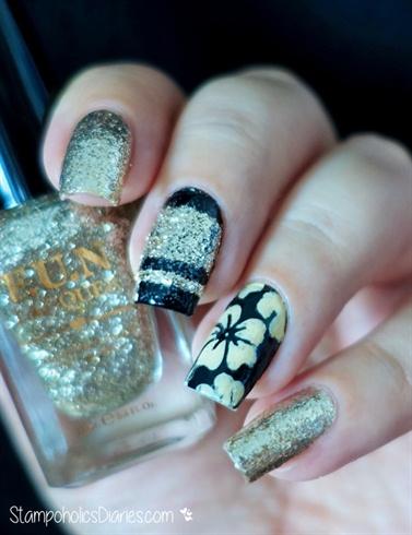Black & Gold Flower Nails