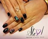 Black floral nails!