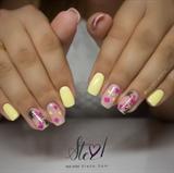 Cute little Flamingo nails!