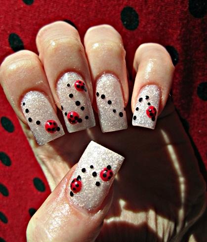 Ladybug Parade - Ladybug Parade - Nail Art Gallery