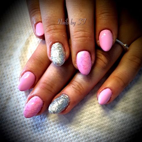 Pink med pink stamping og lidt sølv💅🏻