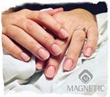 Kort og elegant naturlig fransk manicure