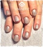 Manicure og en skøn sart gelpolish farve