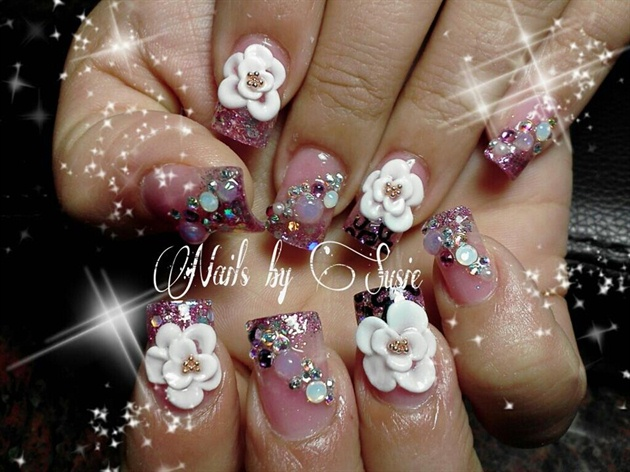 Busy nail art