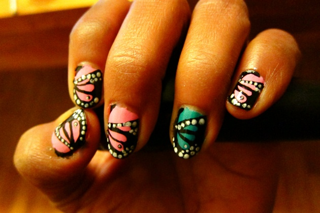 Butterfly wings nails