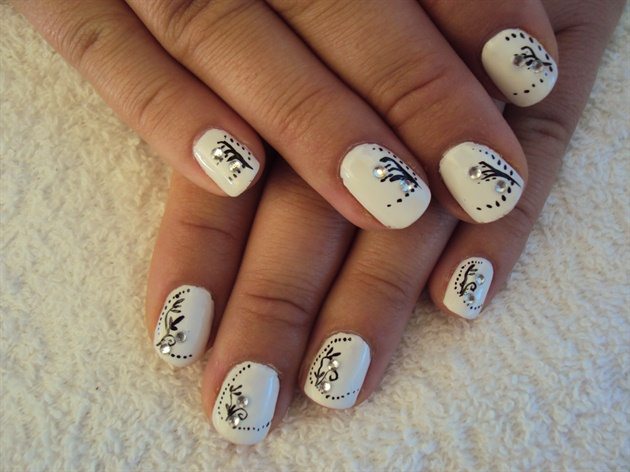 Simple Hand Painting Nail Art Gallery