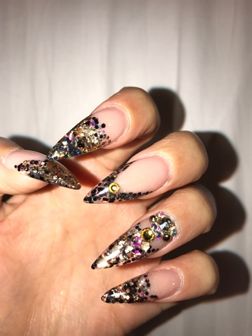 Stilleto Black Nail Design