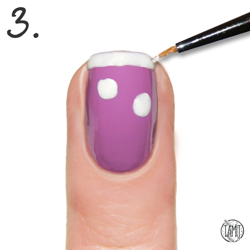 Add the edge line on your nail using the same polish.