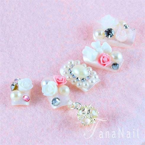 Pearl nails