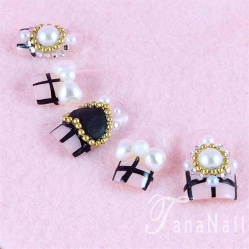 Pink plaid nails