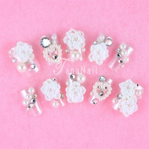White flower nails