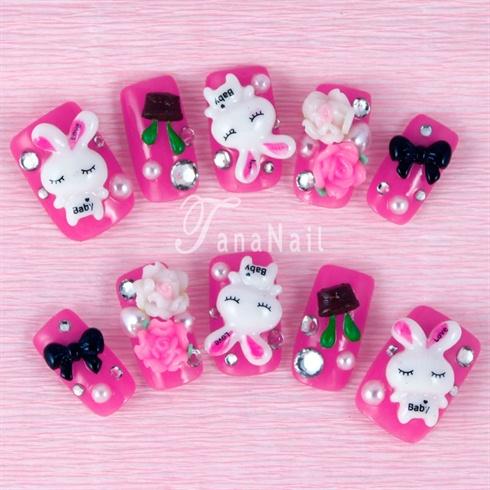 Cute rabbit nails