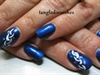 Blue/White Simple Abstract Nail Design