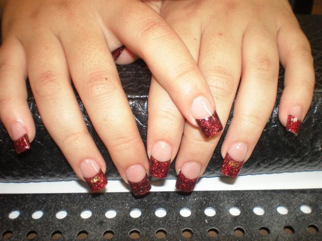 red glitter xmas nails