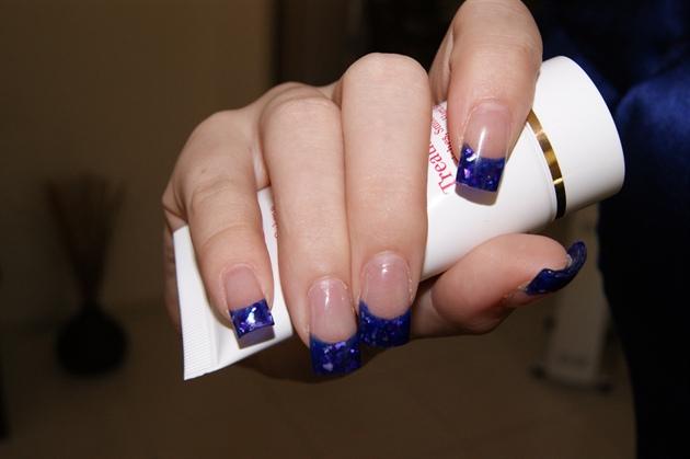 blue powder & purple shell