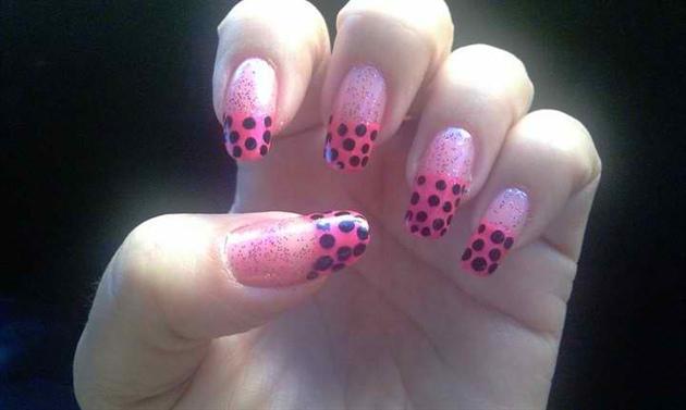 rosado con puntos negros:-)