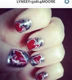 Graffiti Heart Nails
