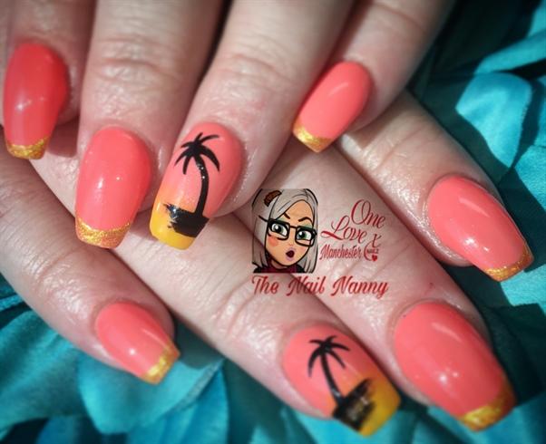 Hollybobs Nails