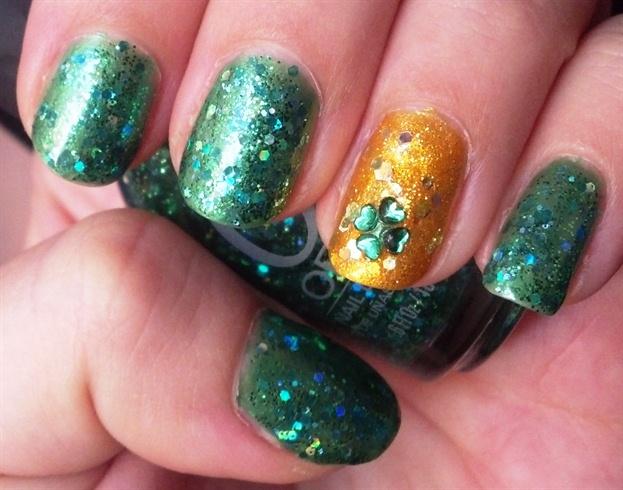 Easy Four Leaf Clover Rhinestone Nails Nail Art Gallery