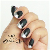 Black Ruffle Nails