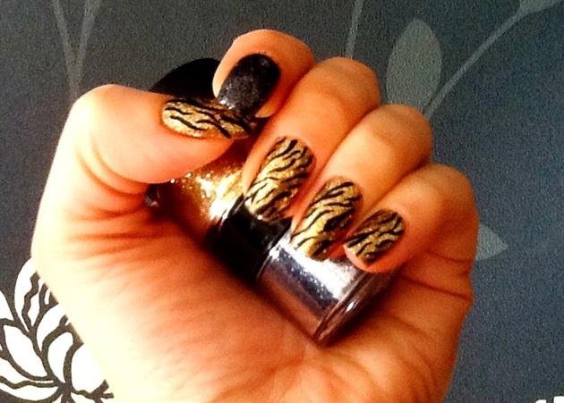 Shellac gold zebra nail art gallery shellac gold zebra prinsesfo Gallery