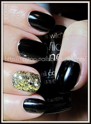 Glitter accent nail