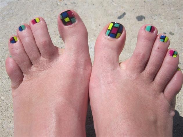 Mosaic toenails