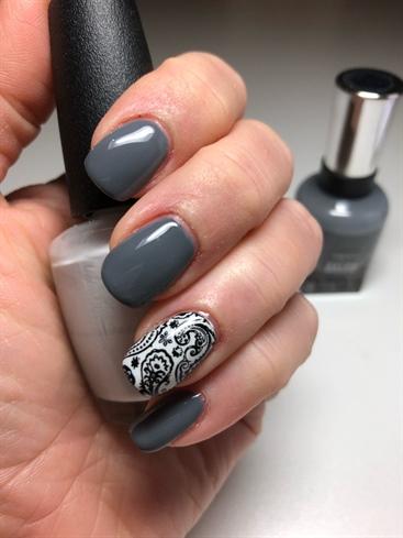 Grey Mani