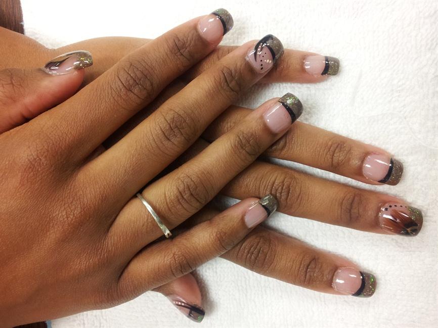 Feather Nail Art & Custom Acrylic Color - Nail Art Gallery