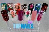 Floral nail art desing