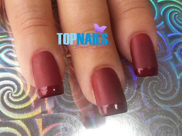 Acrylic nails with bright nail tip matt