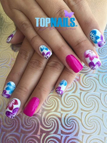 Acrylic Nails with traditional flowery