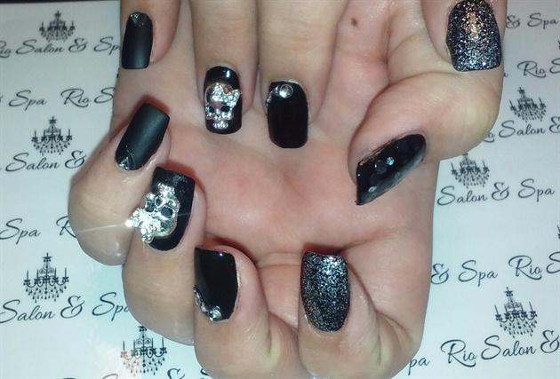 3d matte skull black nail art