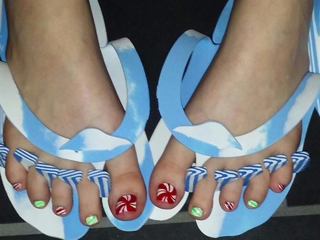 Candy christmas toes nail art