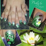 Frog pond nail art