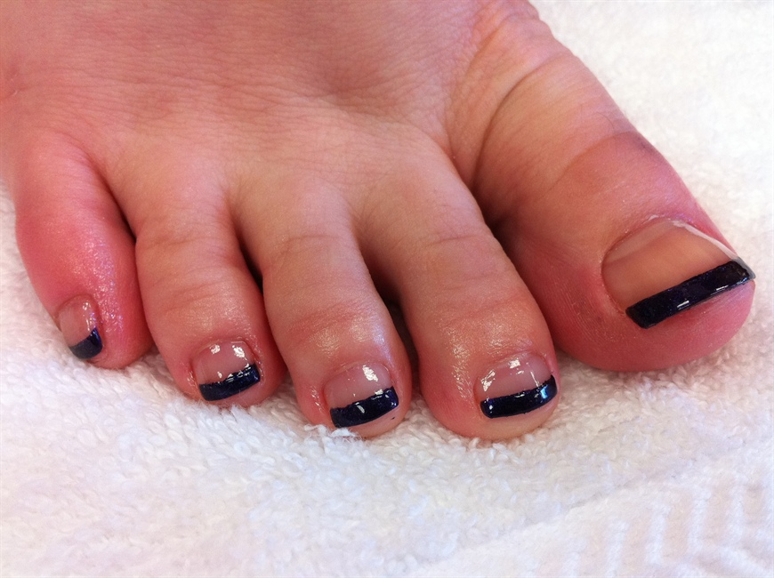 Black French Toes - Nail Art Gallery