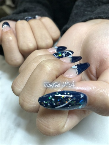 Cosmos Nails