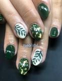Leaf Nails