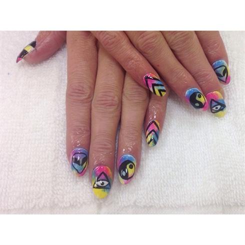 Trippin Round Nails