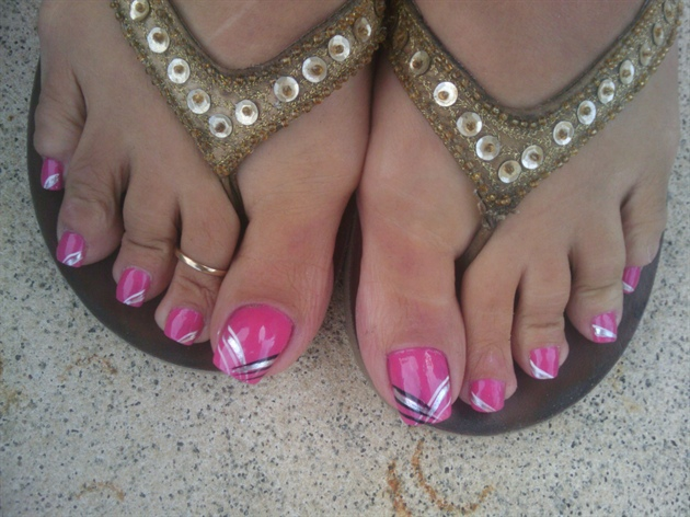 acylic toes