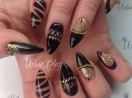 nail art: Black Beauty