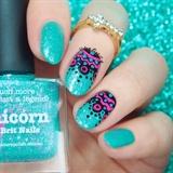 Free hand nail art