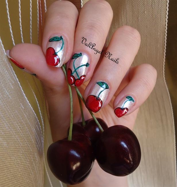 Маникюр на ногтях вишни