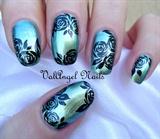 "Nail art ""Black Roses"""