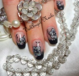 "Nail art ""Flowers of Diamonds"""