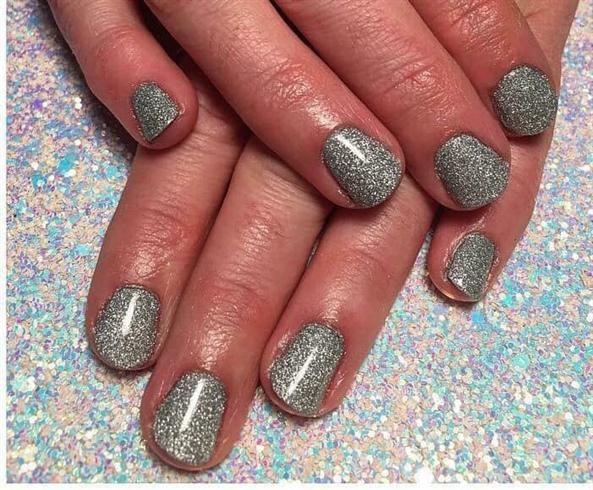 Kupa Dipfinity manicure